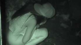 girl pissing in a corner at night voyeurismo 32 (3)