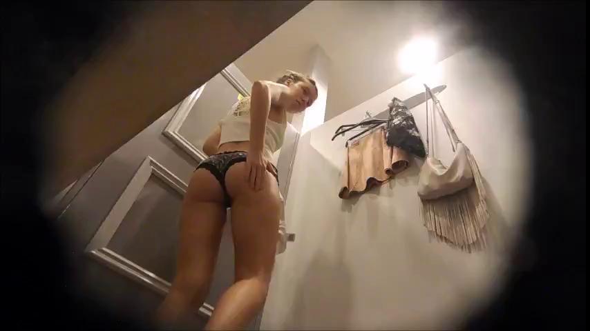 checking her ass teen voyeur