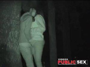 fuck under tree voyeurismo